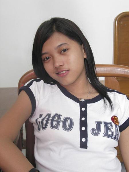 gadis_baju_putih